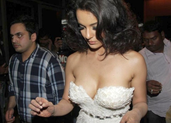 Kangana Ranaut great Downblouse